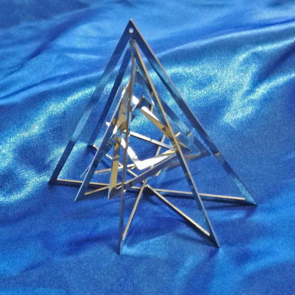 Three-dimensional Triangle