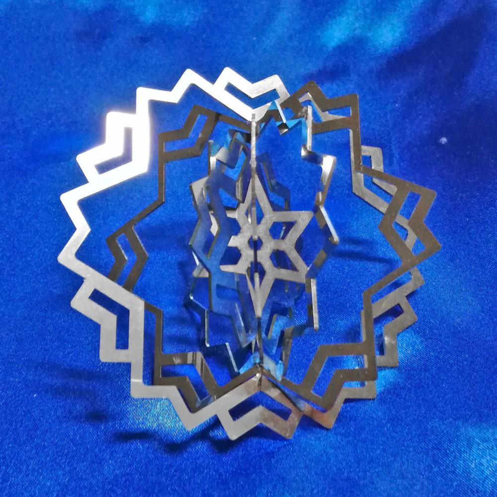 Three-dimensional Hexagonal Star